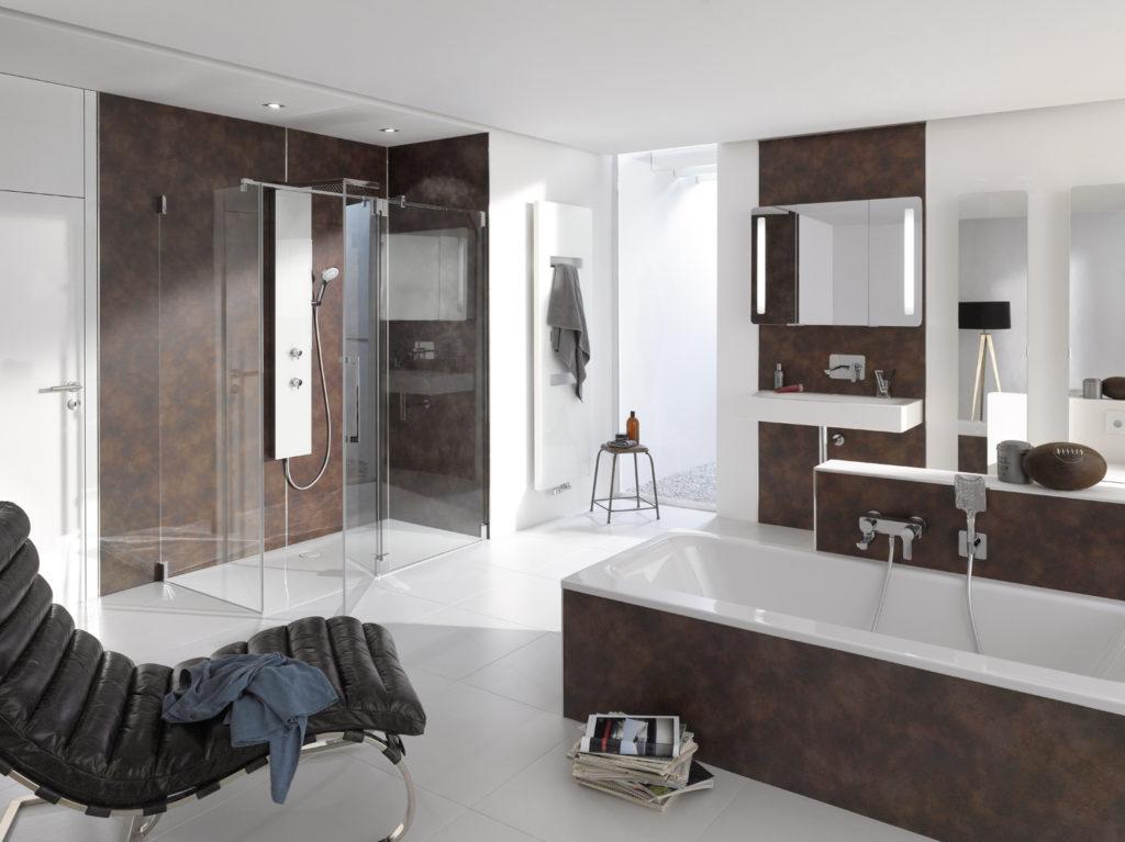 Badezimmer in Metall Rostrot